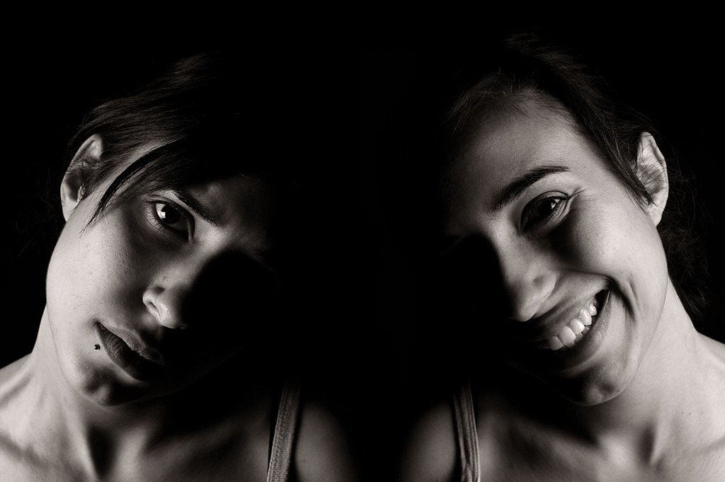 the bipolar adolescent essay Bipolar children and adolescents running head: bipolar children and adolescents bipolar children and adolescents it has been an exceptional experience to creatively explore a subject.